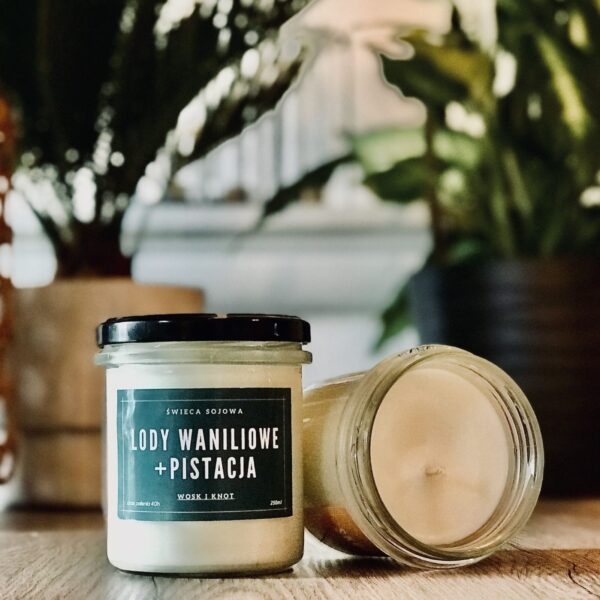 lody pistacjowe i wanilia